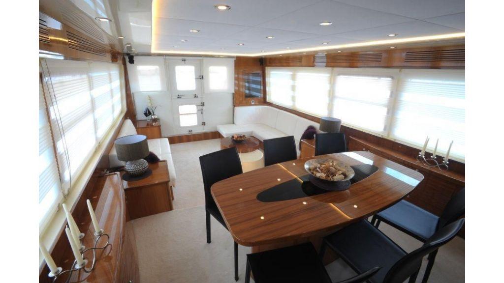 22 M 4 Cabins Trawler