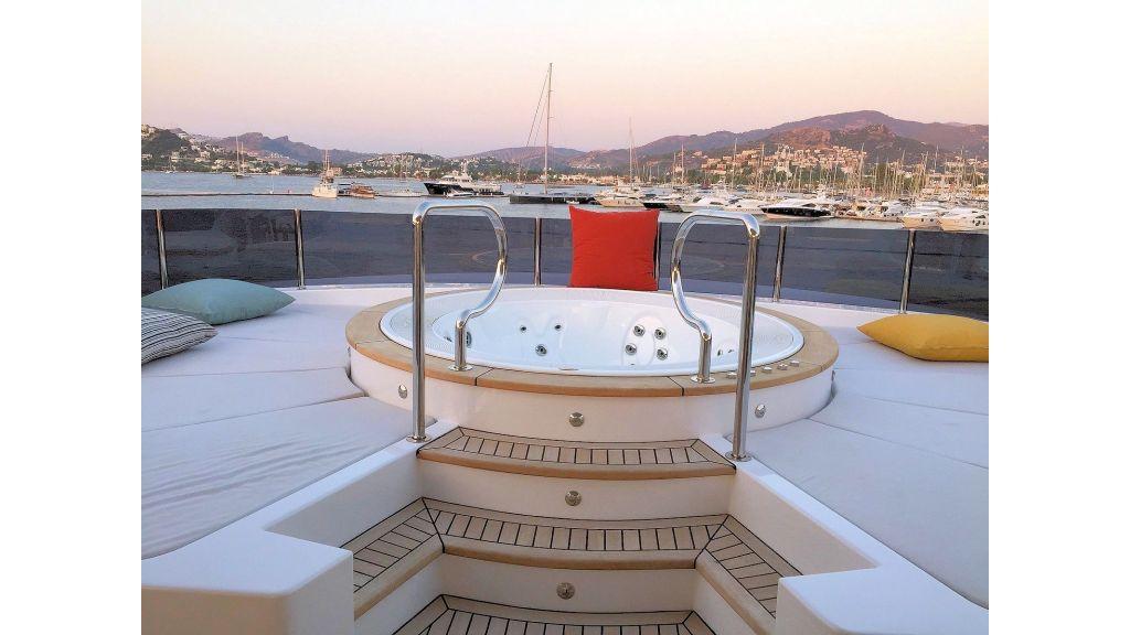 Motor Yacht Bebe (29)