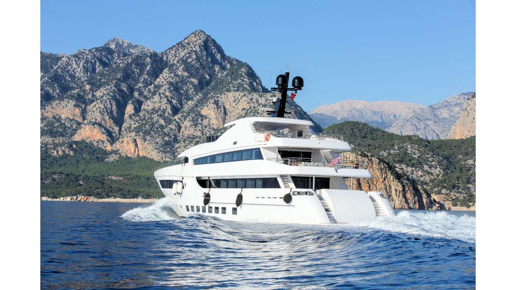 Motor Yacht Bebe (3)