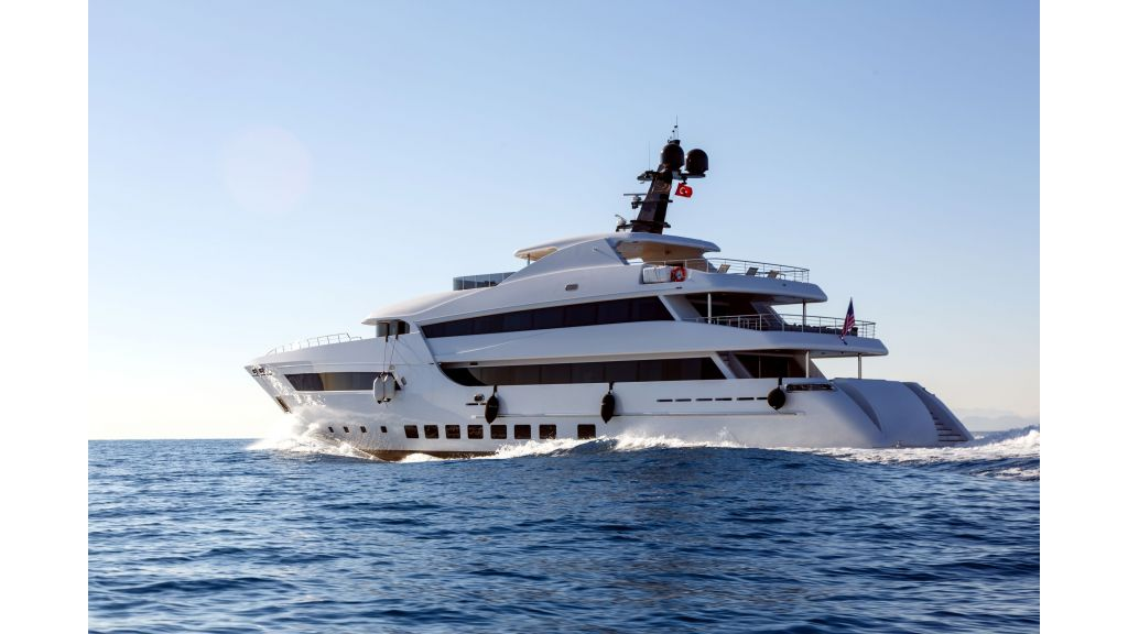 Motor Yacht Bebe (5)