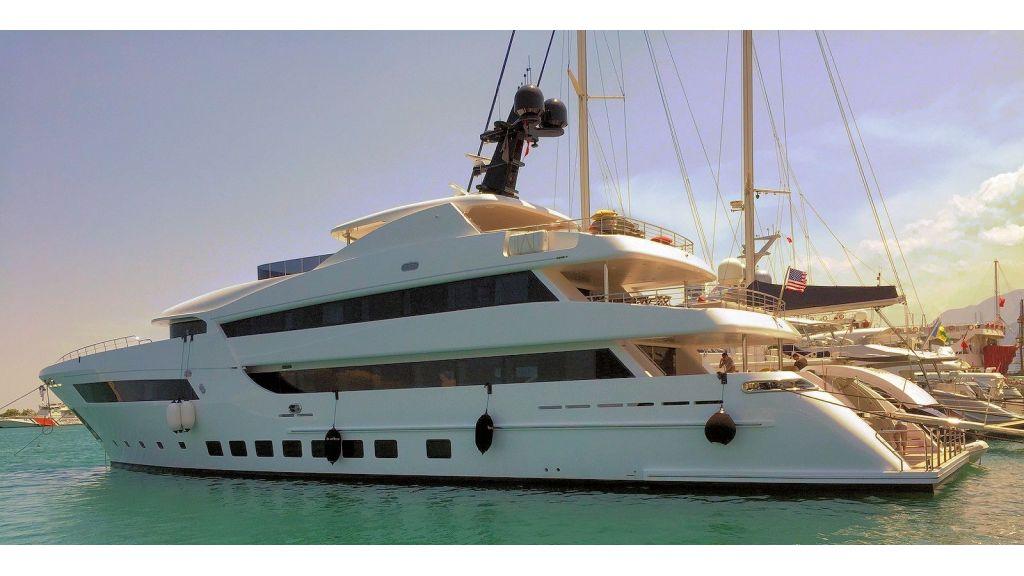 Motor Yacht Bebe (7)
