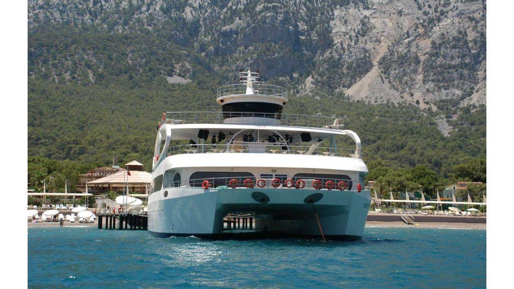 mobydick-large-catamaran-0002