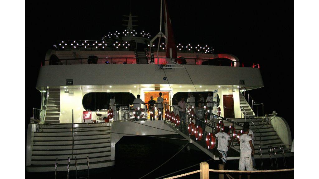 mobydick-large-catamaran-1-back
