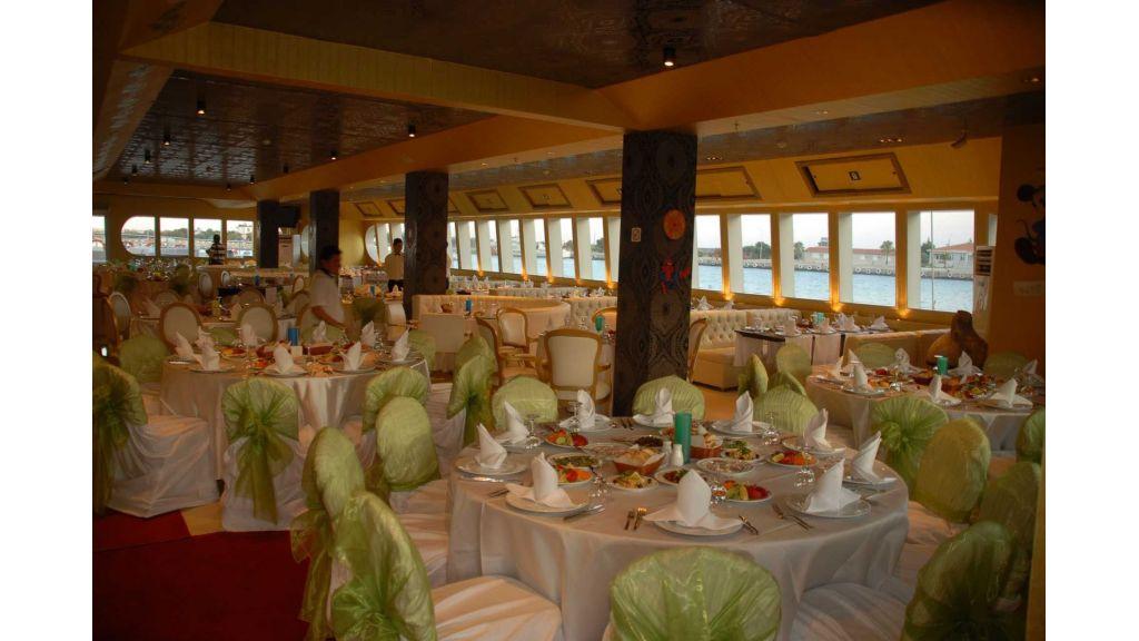 mobydick-large-catamaran-16
