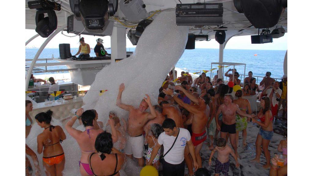 mobydick-large-catamaran-23