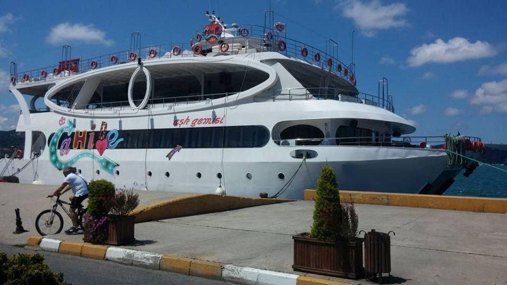 mobydick-large-catamaran-7