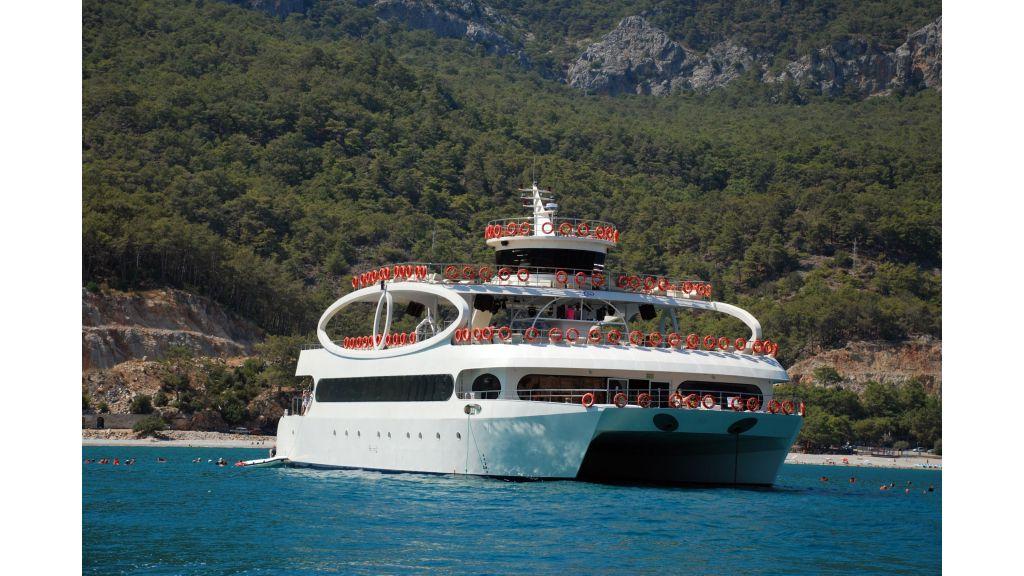 mobydick-large-catamaran-master-3