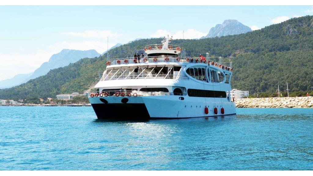 mobydick-large-catamaran-master-5