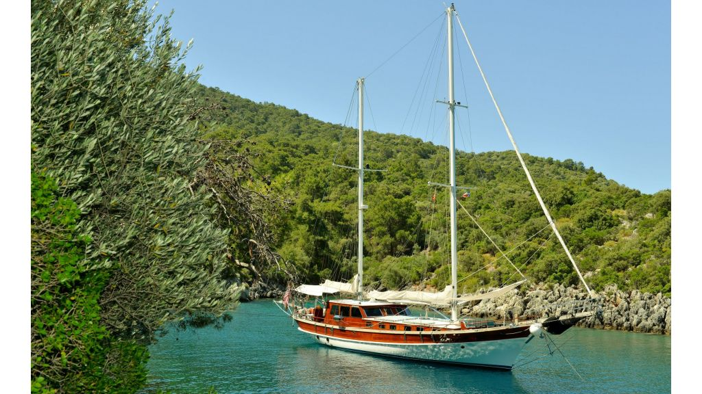 schooner for sale (1)