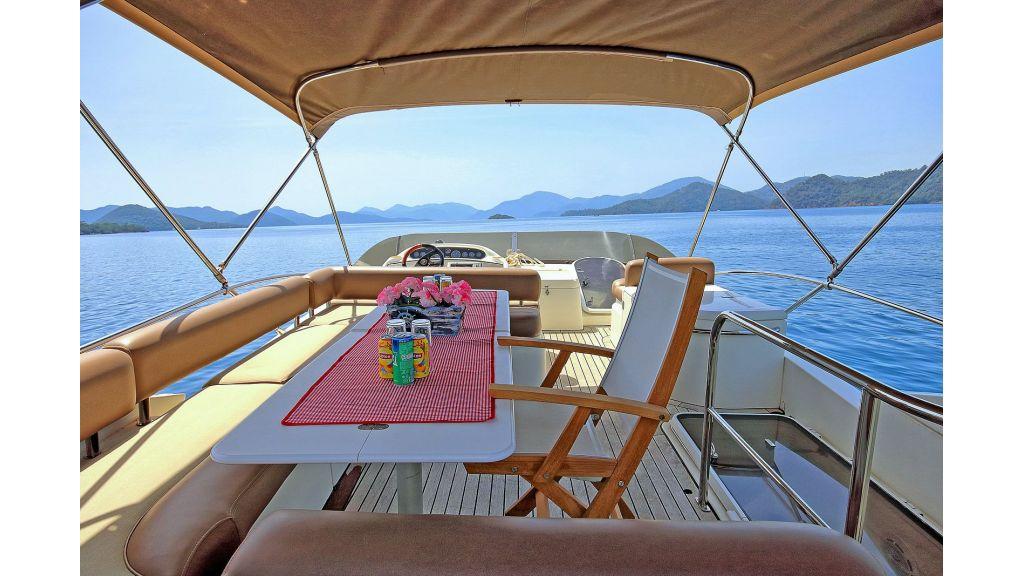 Sunseeker 56 diamond moto-yacht