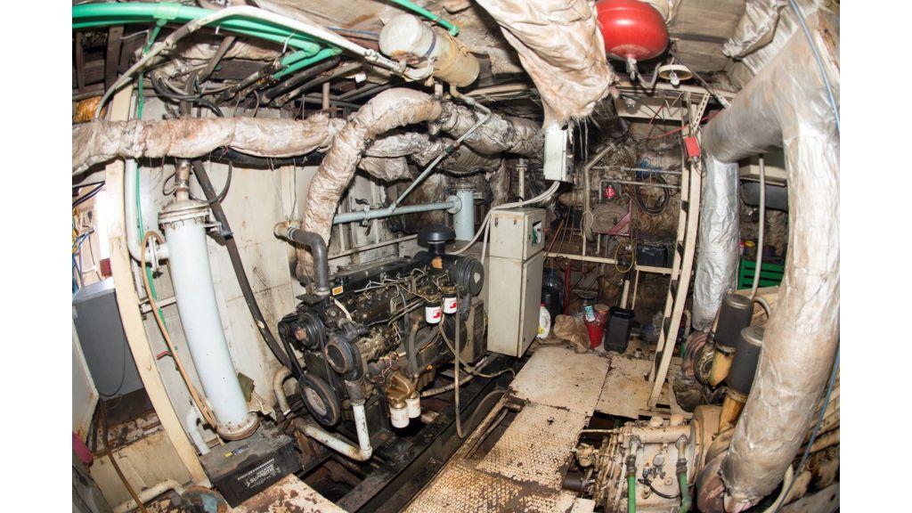 10 Cabins Motor Yacht (22)