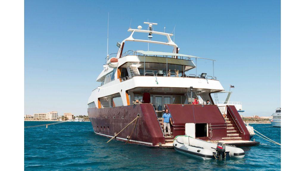 10 Cabins Motor Yacht (32)