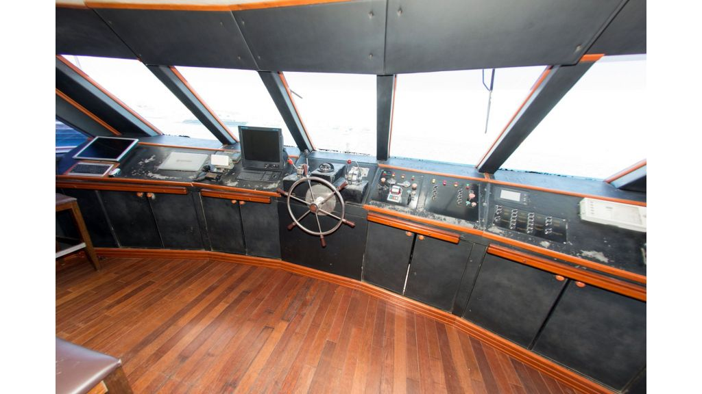 10 Cabins Motor Yacht (39)
