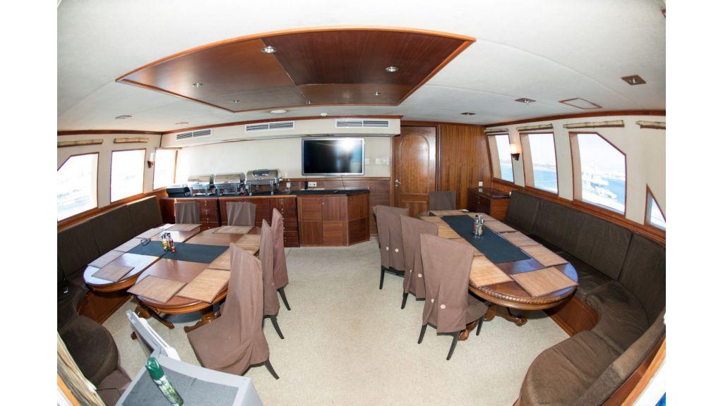 10 Cabins Motor Yacht