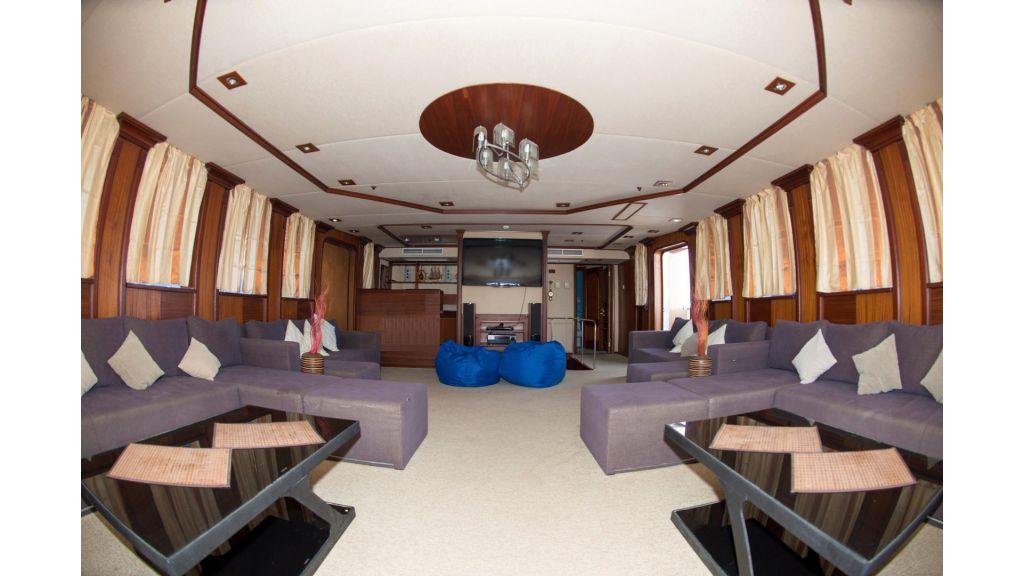 10 Cabins Motor-yacht