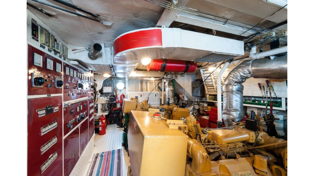 1984 Classic Motoryacht For Sale (2)