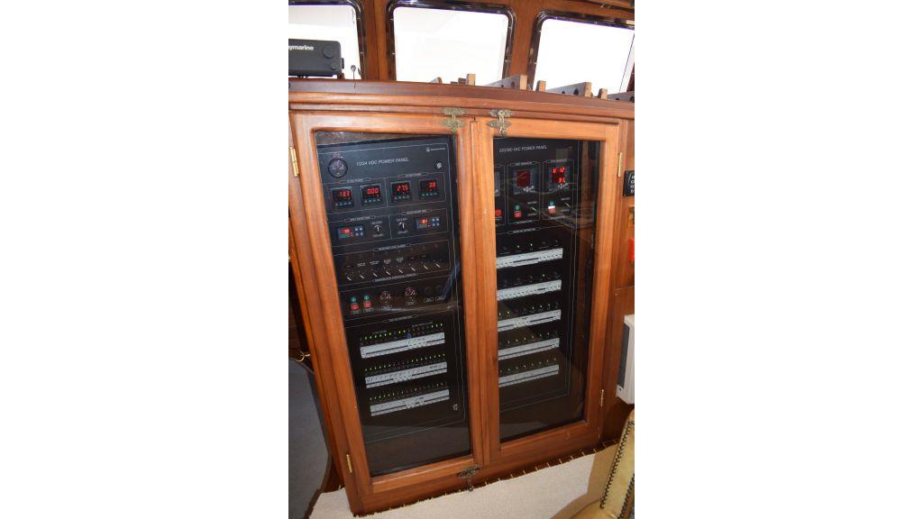 2 Cabins Schooner (50)