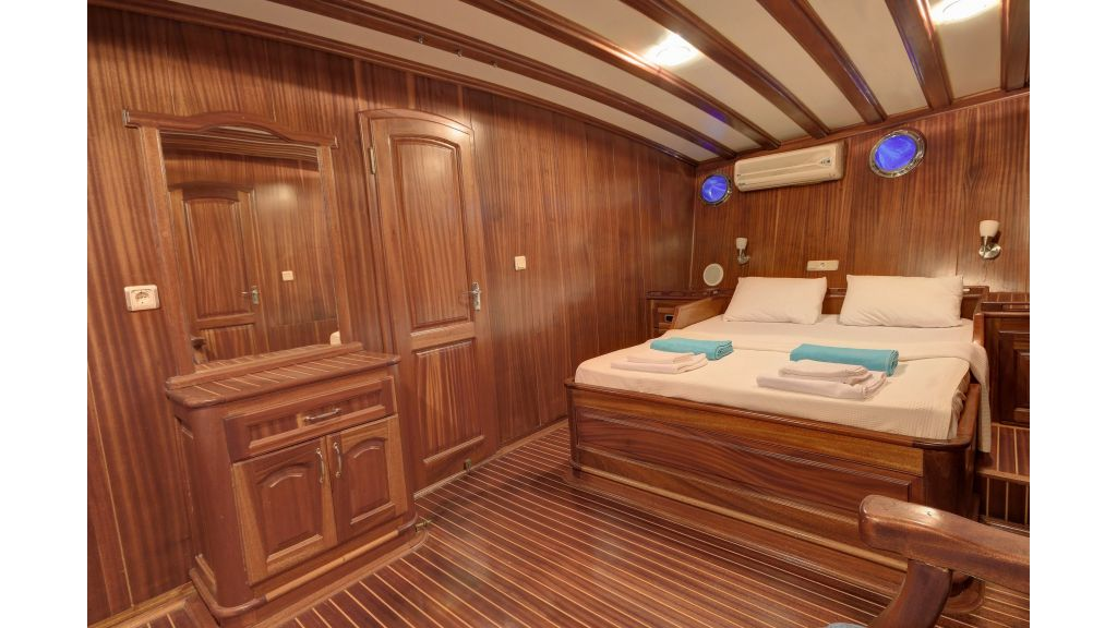 Aleyna 3  charter gulet (38)