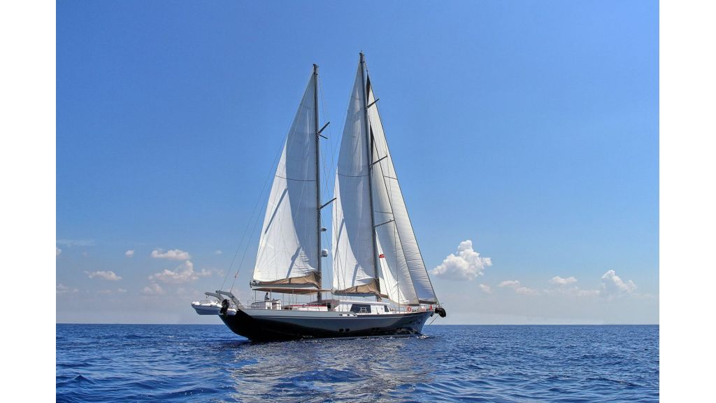 Moss luxury motor sailor (76)