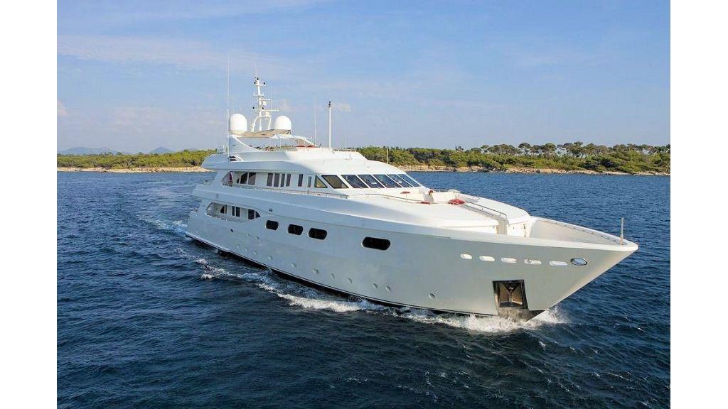 Motor Yacht Aktobe Cruising-master