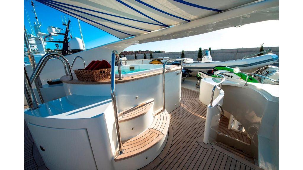 Motor Yacht Aktobe Deck Jacuzzi