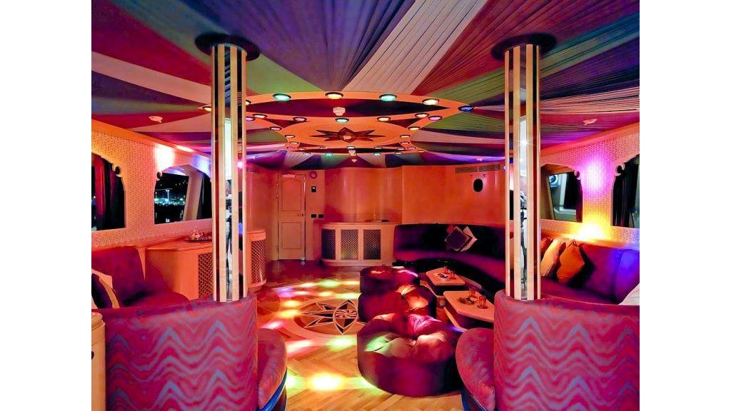 Motor Yacht Aktobe Skylounge Disco