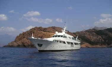 Motor Yacht Intuition Lady (1)