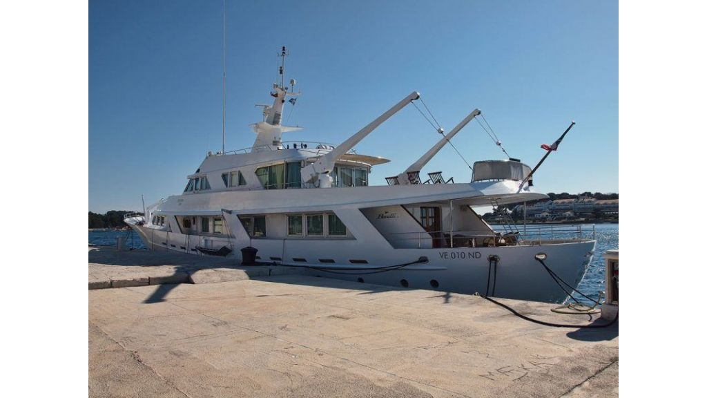 Motor Yacht Intuition Lady (19)