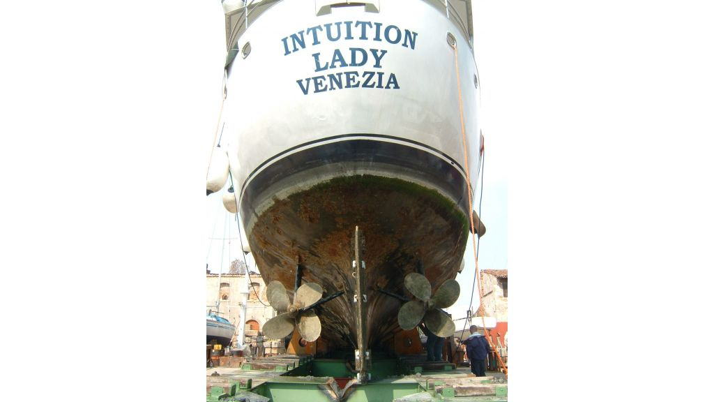 Motor Yacht Intuition Lady (32)