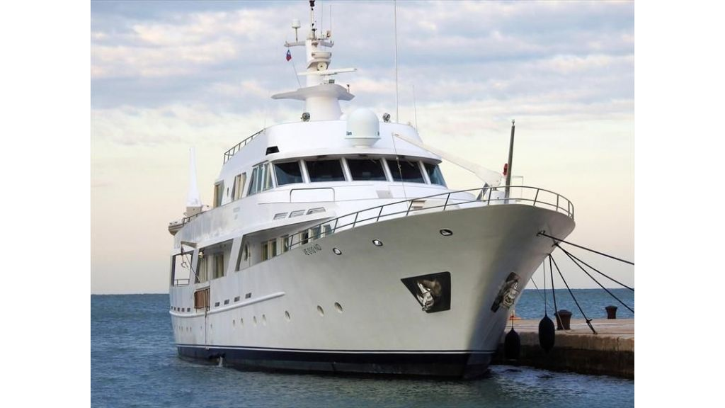 Motor Yacht Intuition Lady (38)