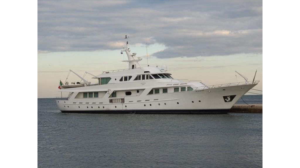 Motor Yacht Intuition Lady (39)