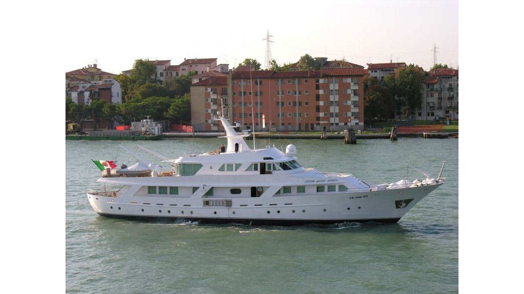 Motor Yacht Intuition Lady Cruising Master