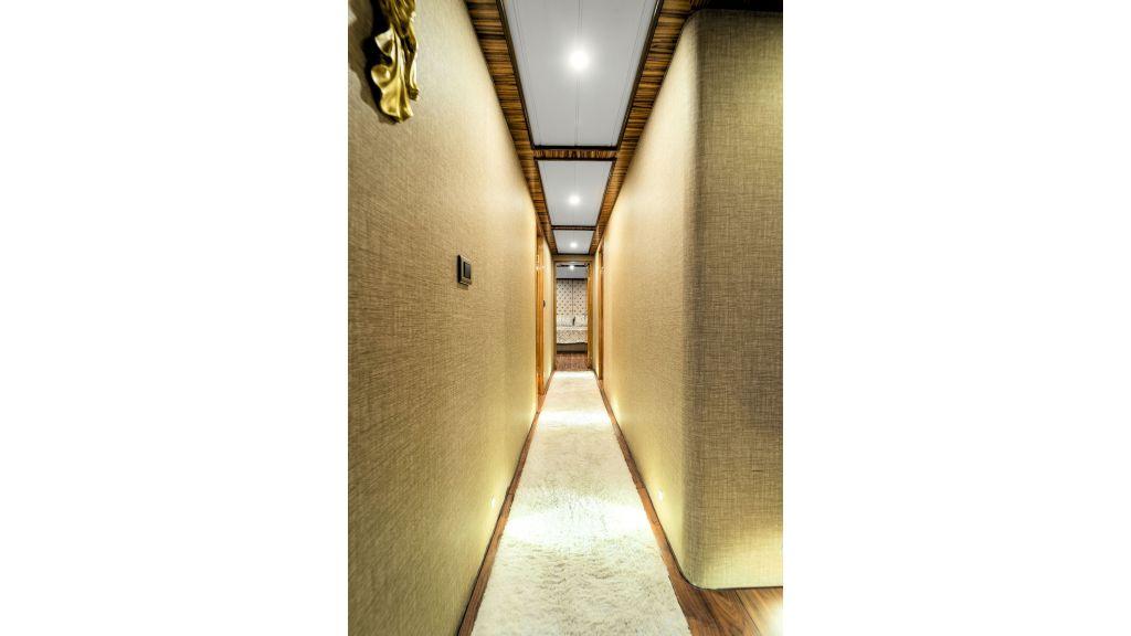 Simay S - Corridor (2)