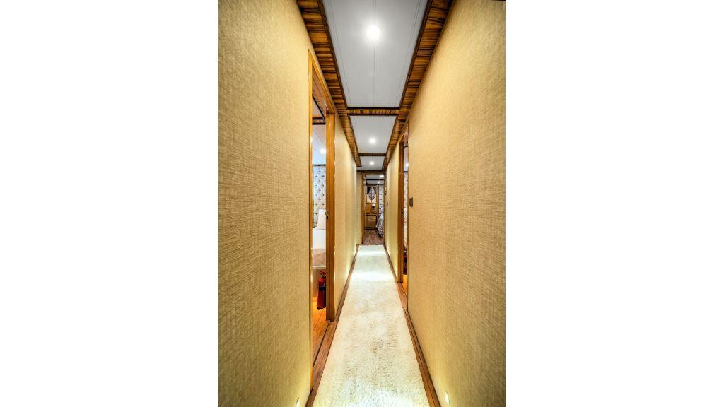 Simay S - Corridor (3)