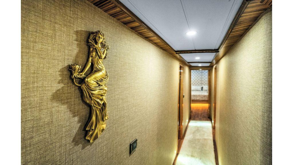 Simay S - Corridor (4)