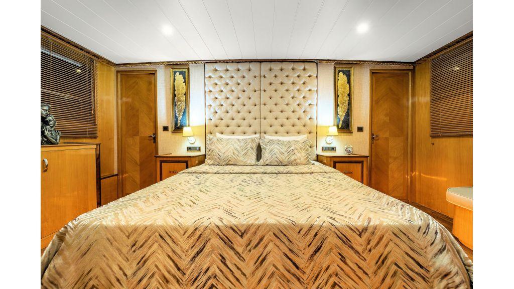 Simay S - Guest Room 1 (5)