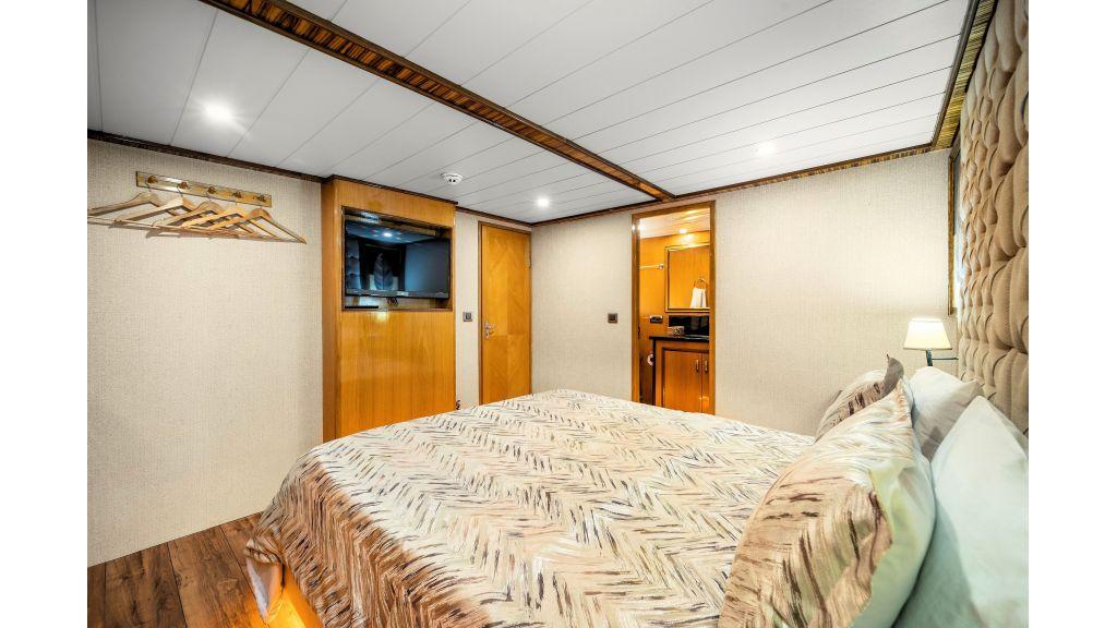 Simay S - Guest Room 2 (3)
