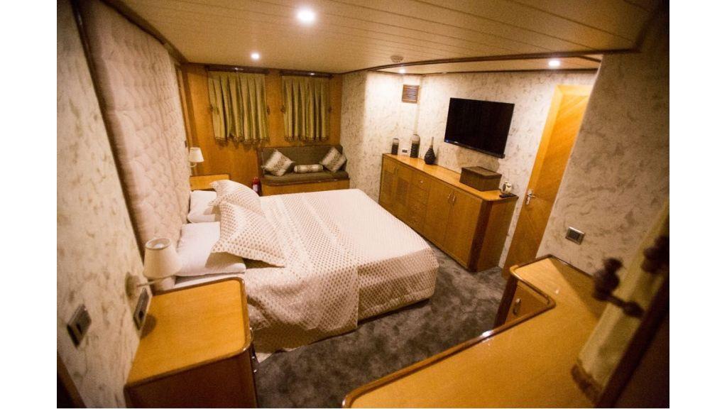 Simay s Trawlewr Motor yacht (10)