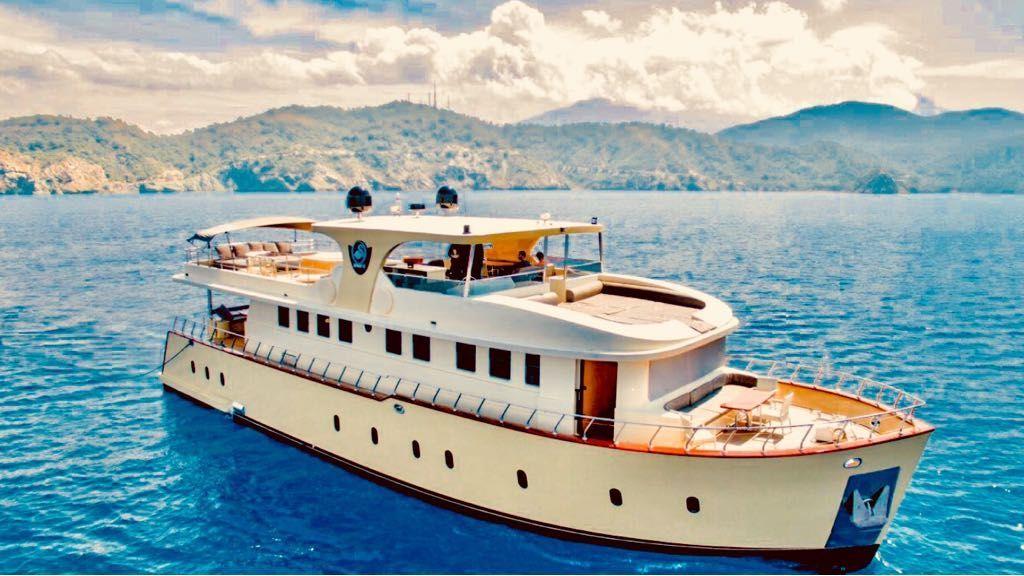Simay s Trawlewr Motor yacht (3)