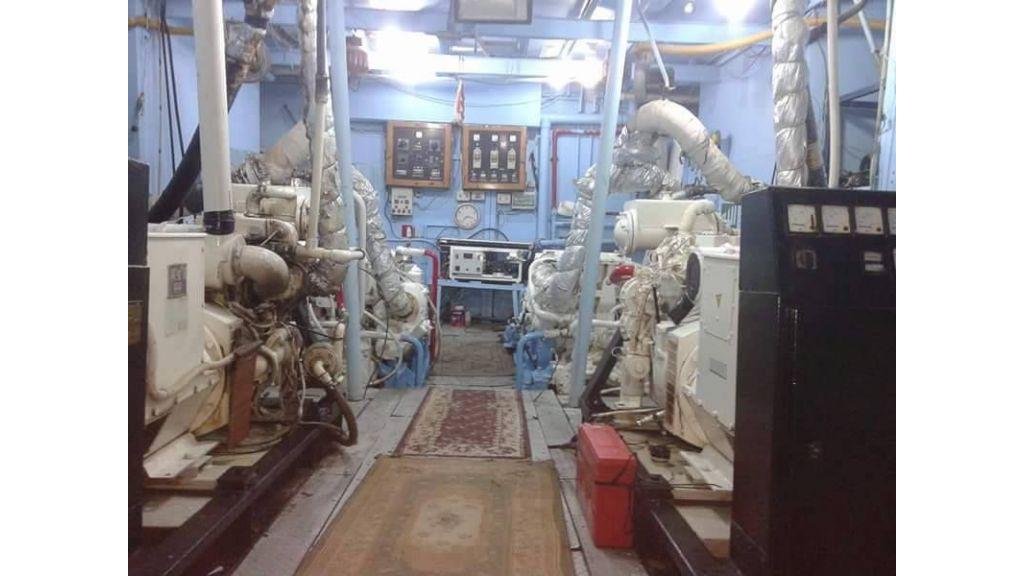 Star Jet Steel Diving Yacht (1)