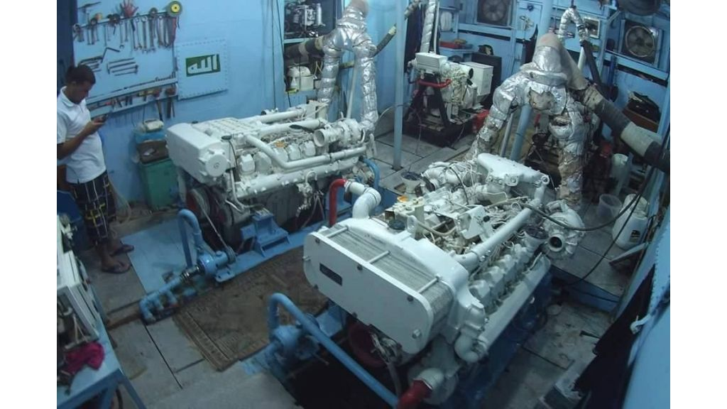 Star Jet Steel Diving Yacht (3)