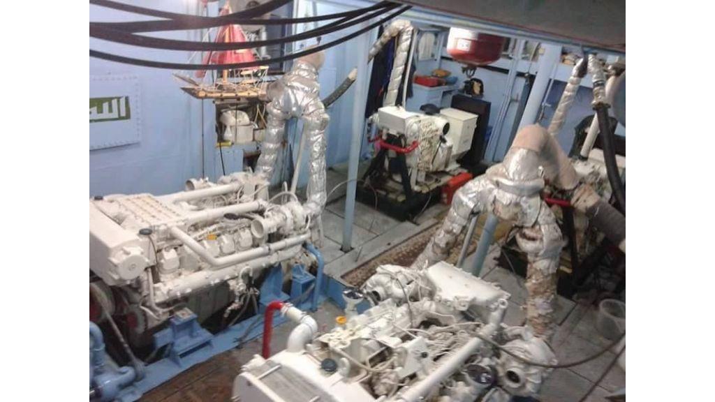 Star Jet Steel Diving Yacht (4)
