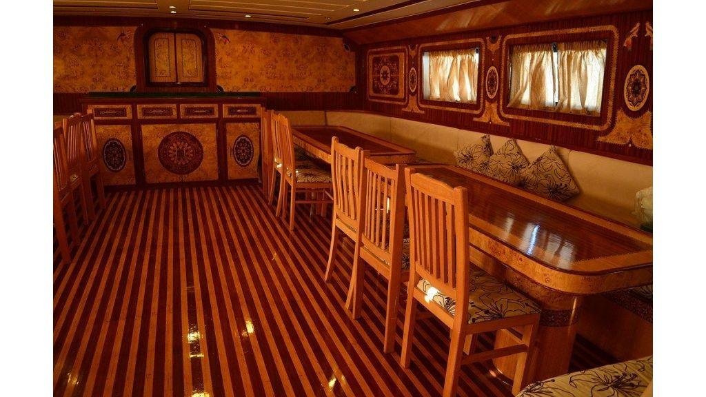 Wooden Diving Boat (19)