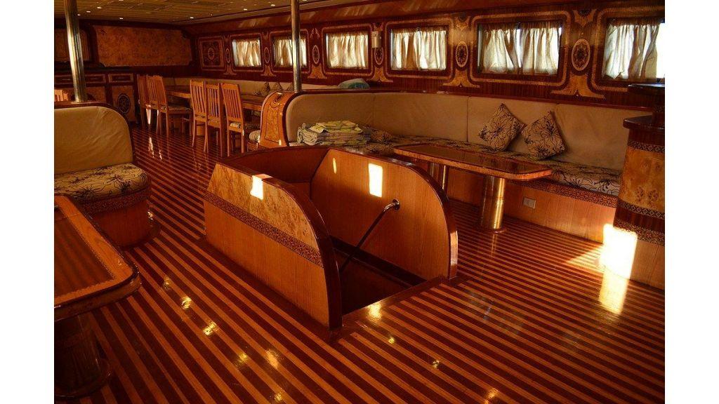 Wooden Diving Boat (21)