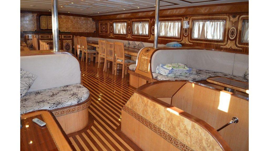 Wooden Diving Boat (27)
