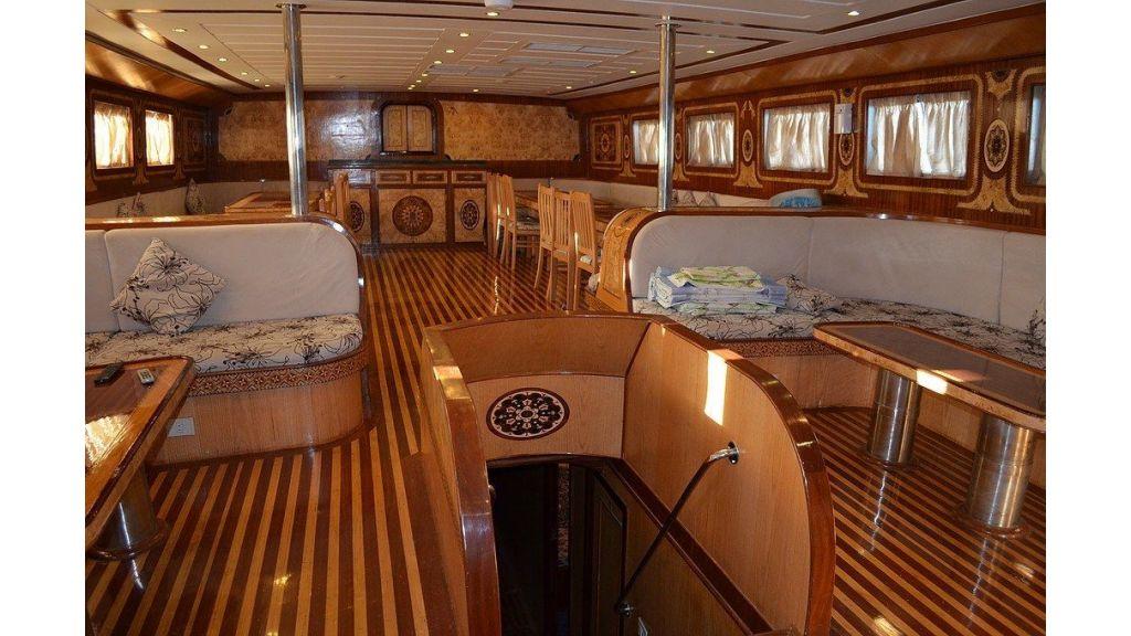Wooden Diving Boat (29)