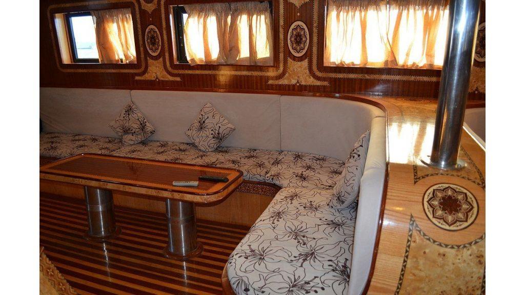 Wooden Diving Boat (31)