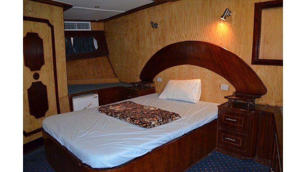 Wooden Diving Boat (37)