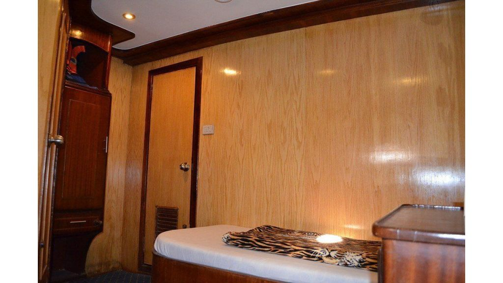 Wooden Diving Boat (38)