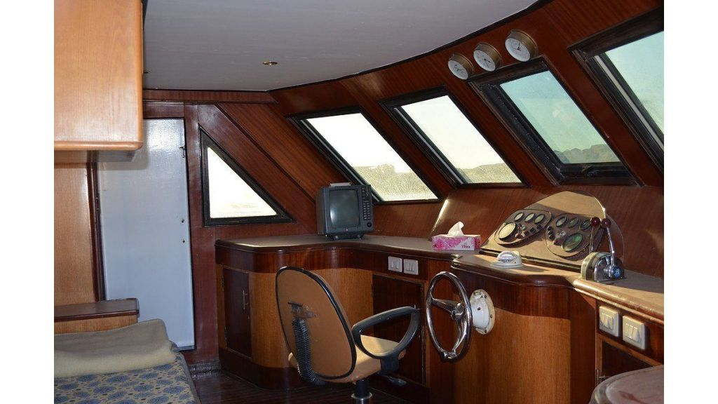 Wooden Diving Boat (42)